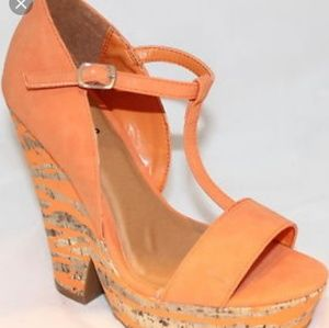 Qupid orange wedge sandal size 10